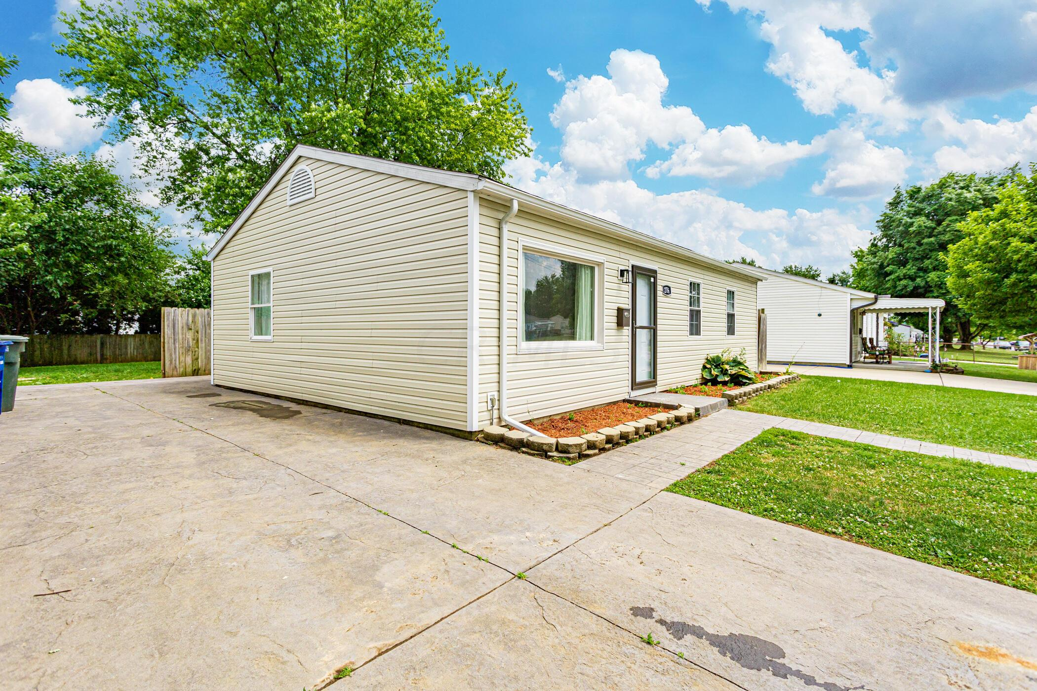 2756 Dolby Dr, Columbus, OH 43207_016