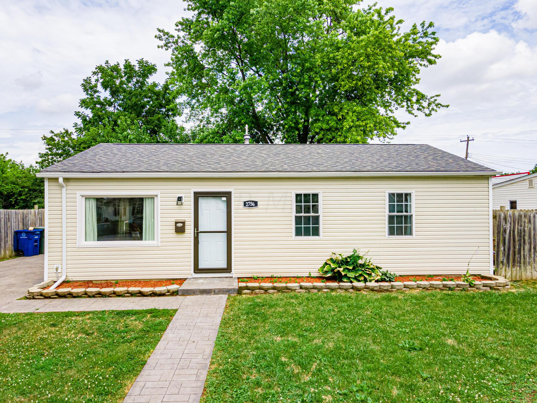 2756 Dolby Dr, Columbus, OH 43207_023