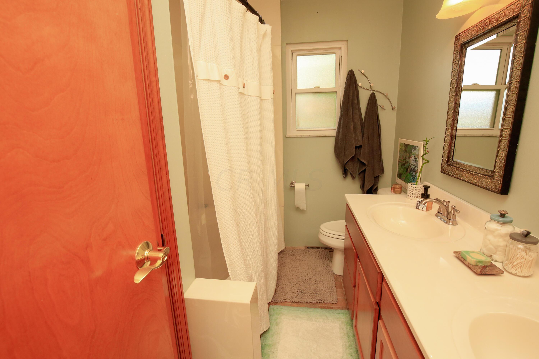 Bathroom 1- 2
