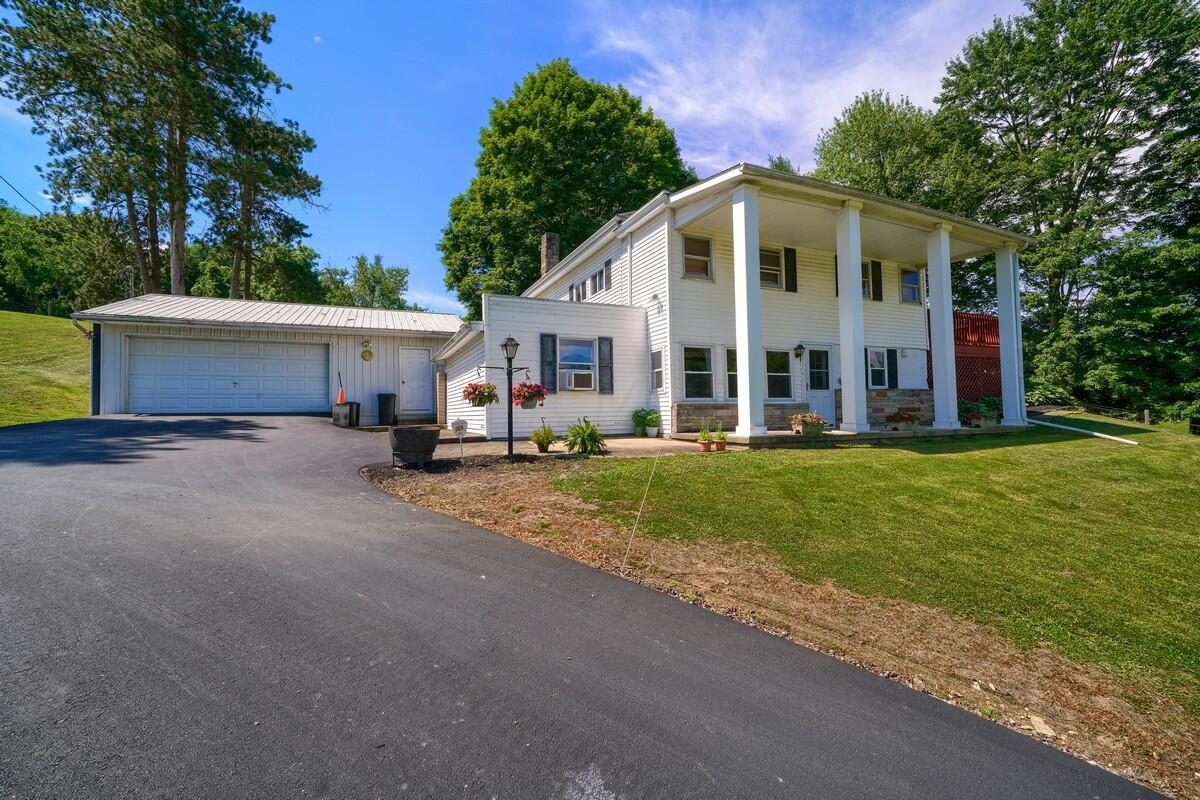 5305 Pleasant Valley Rd SW (60)