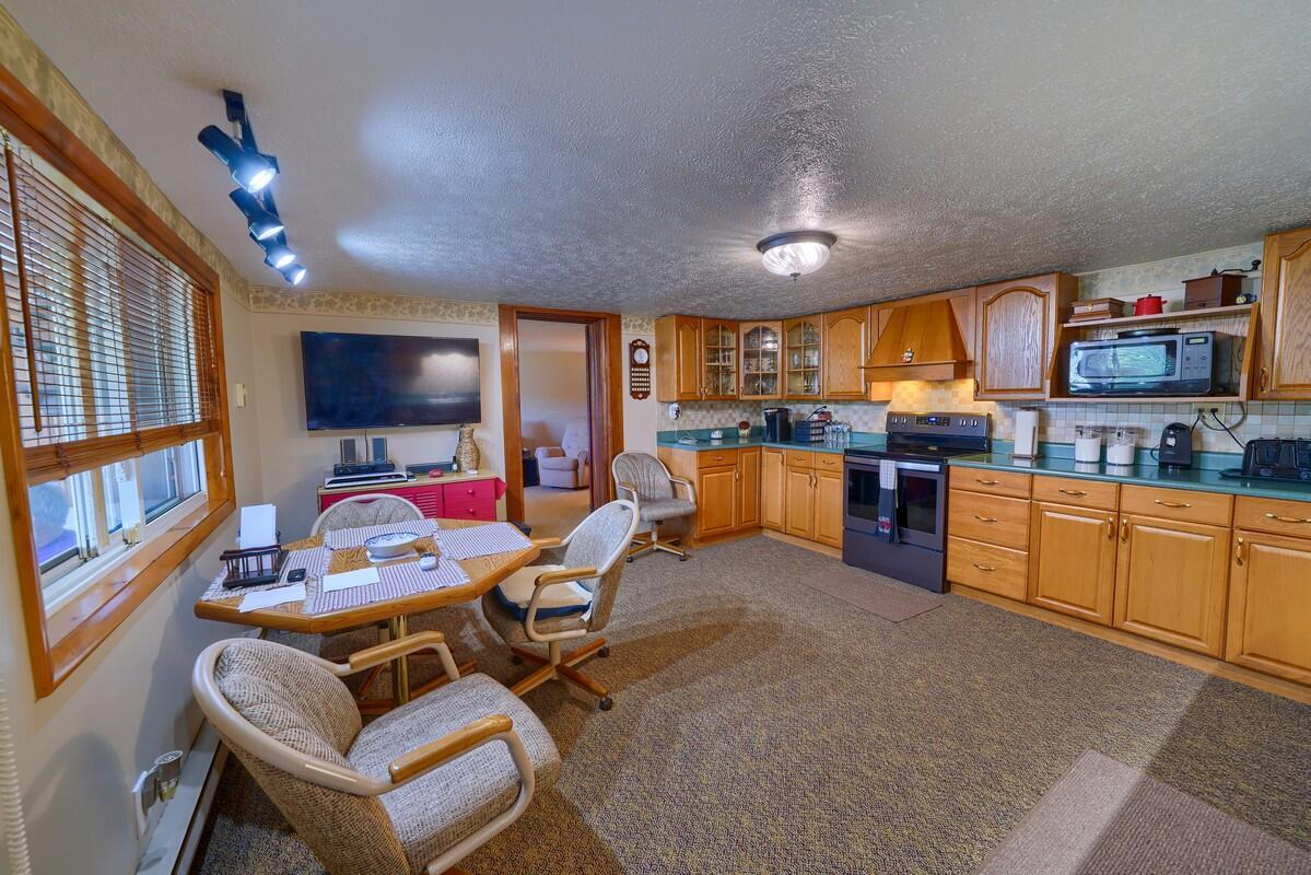 5305 Pleasant Valley Rd SW (39)