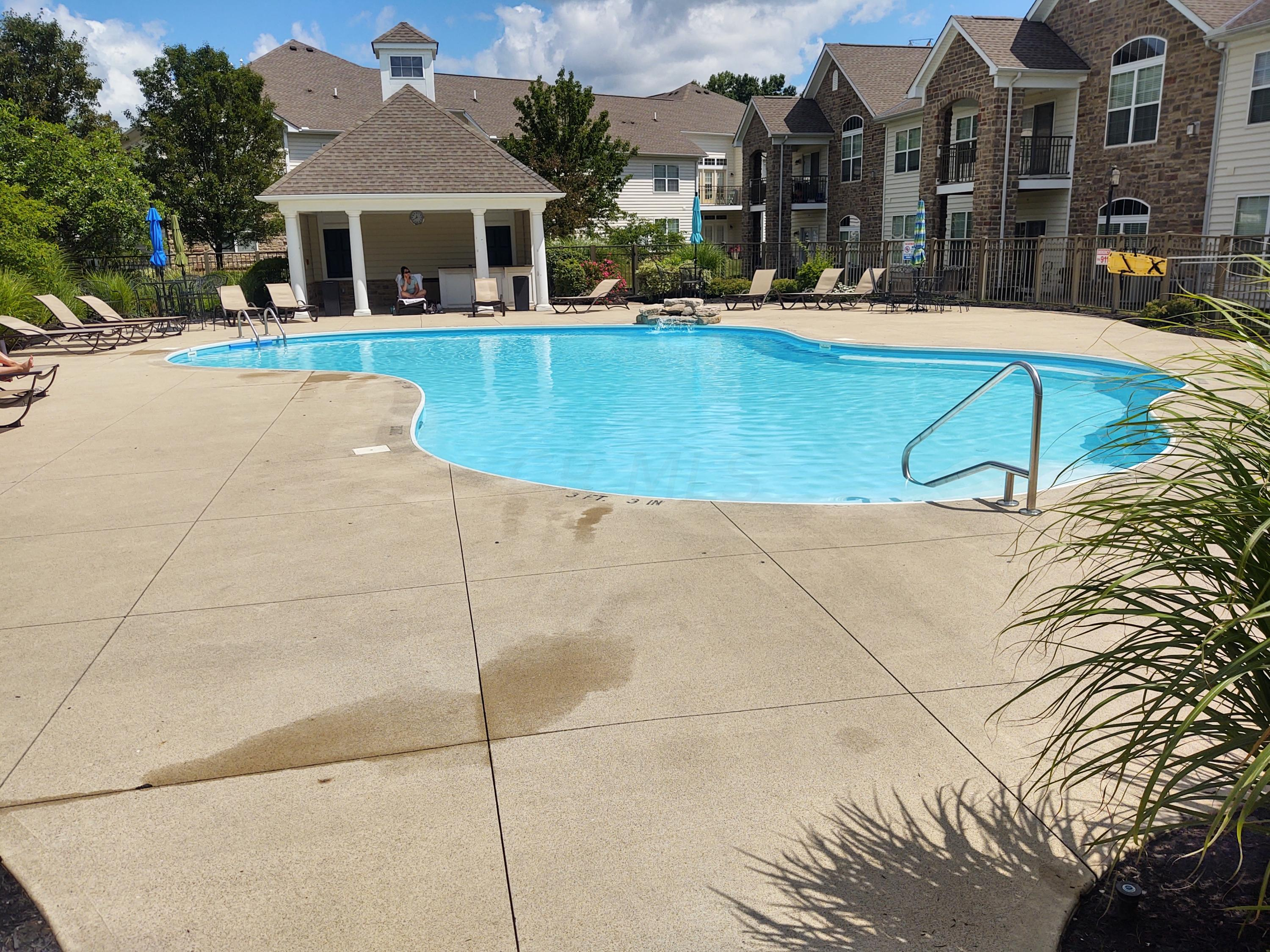 Community Pool/Clubhouse