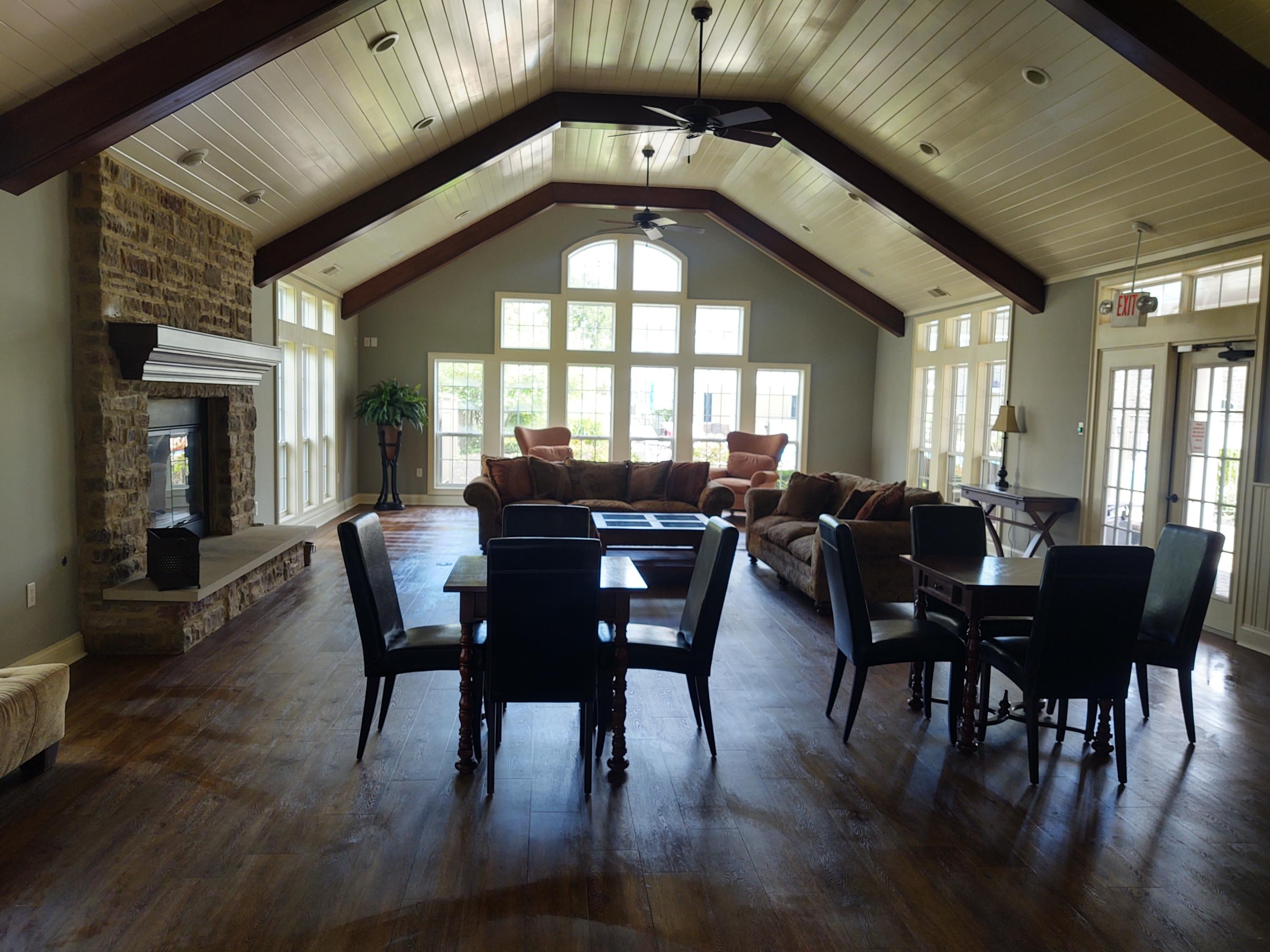 Clubhouse, Main Room