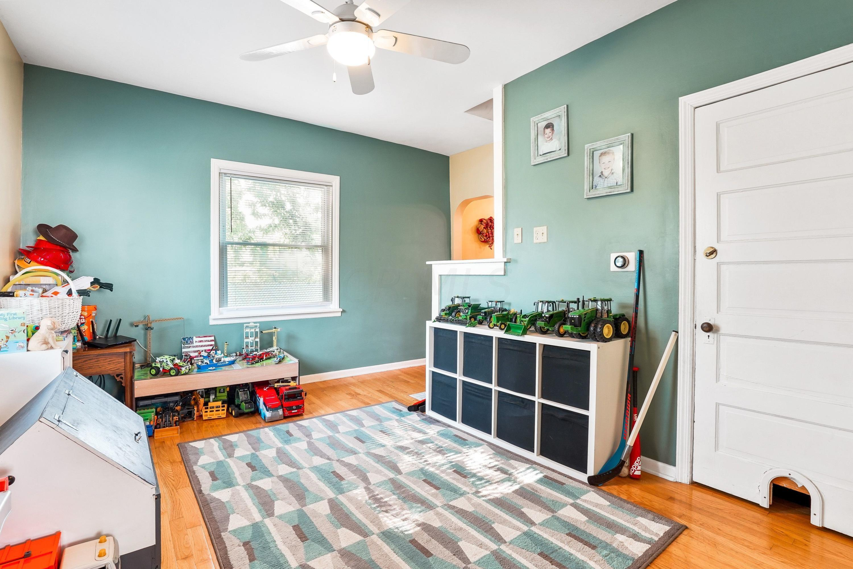 921 Chambers - Family Room