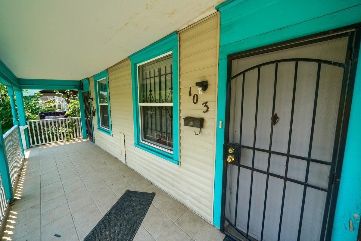 103 Clarendon Ave (45)