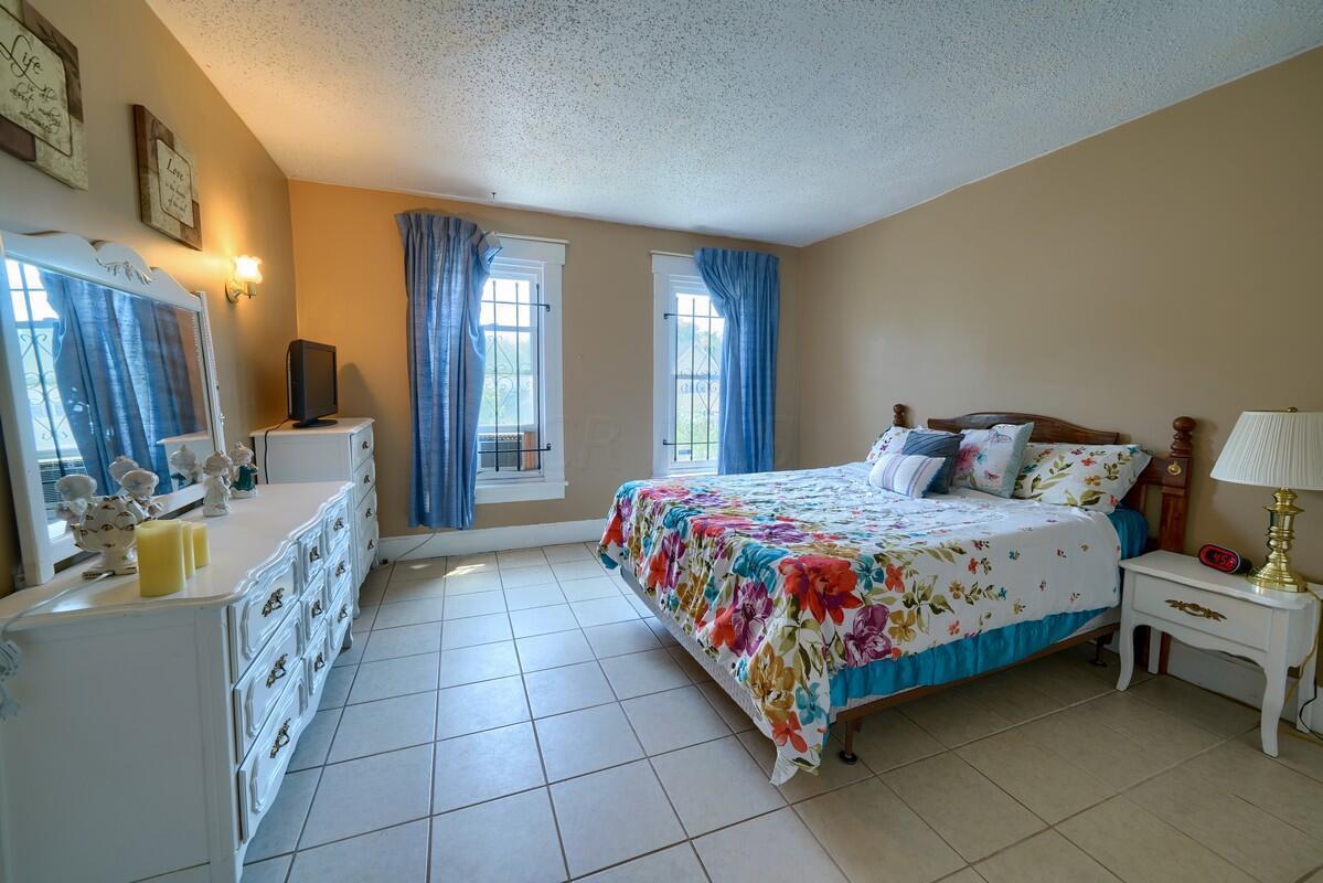 Side 107 Bedroom 1