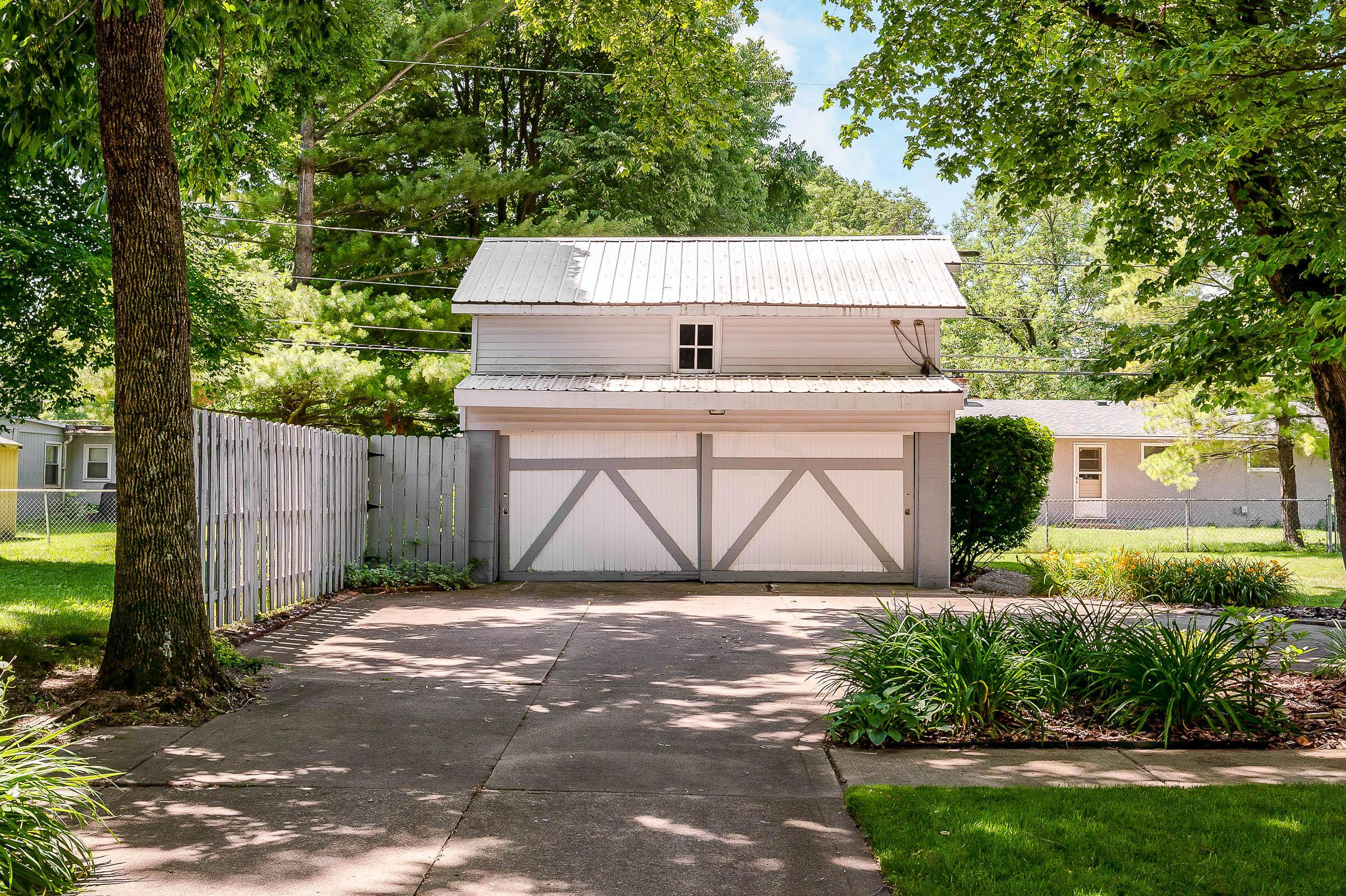 2-car Carriage-style Garage