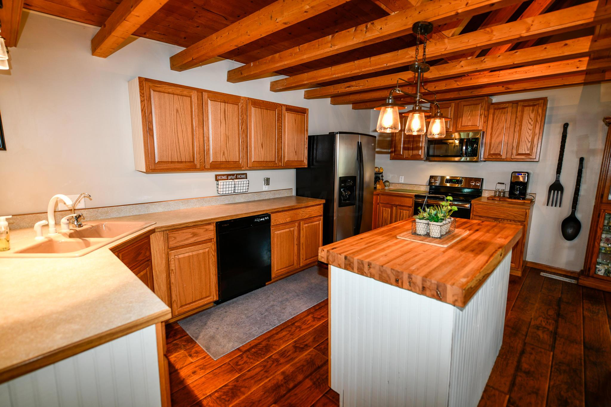 Oak and Wood Trimmed Counters