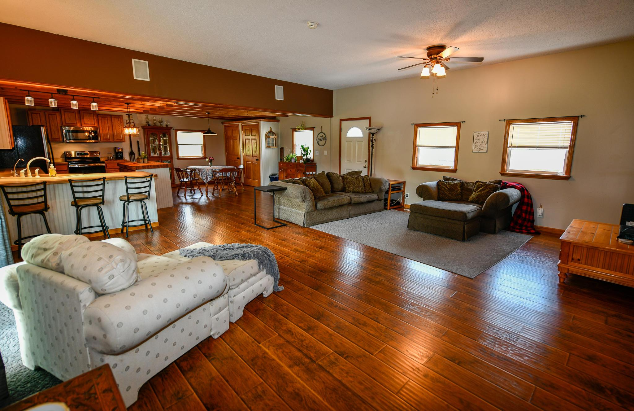 Living Area: 20'x22'
