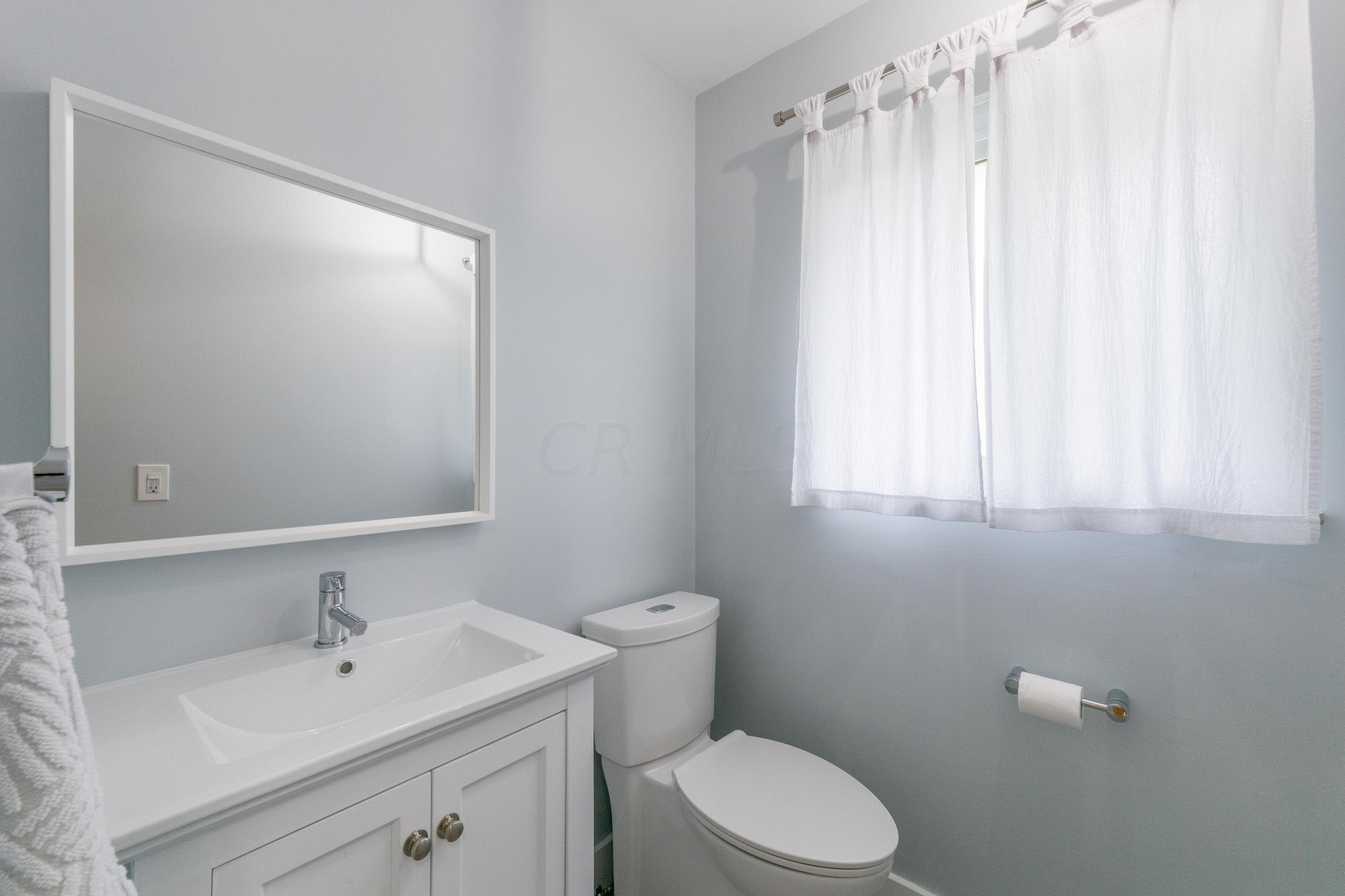 Ensuite half bath for bedroom - 2