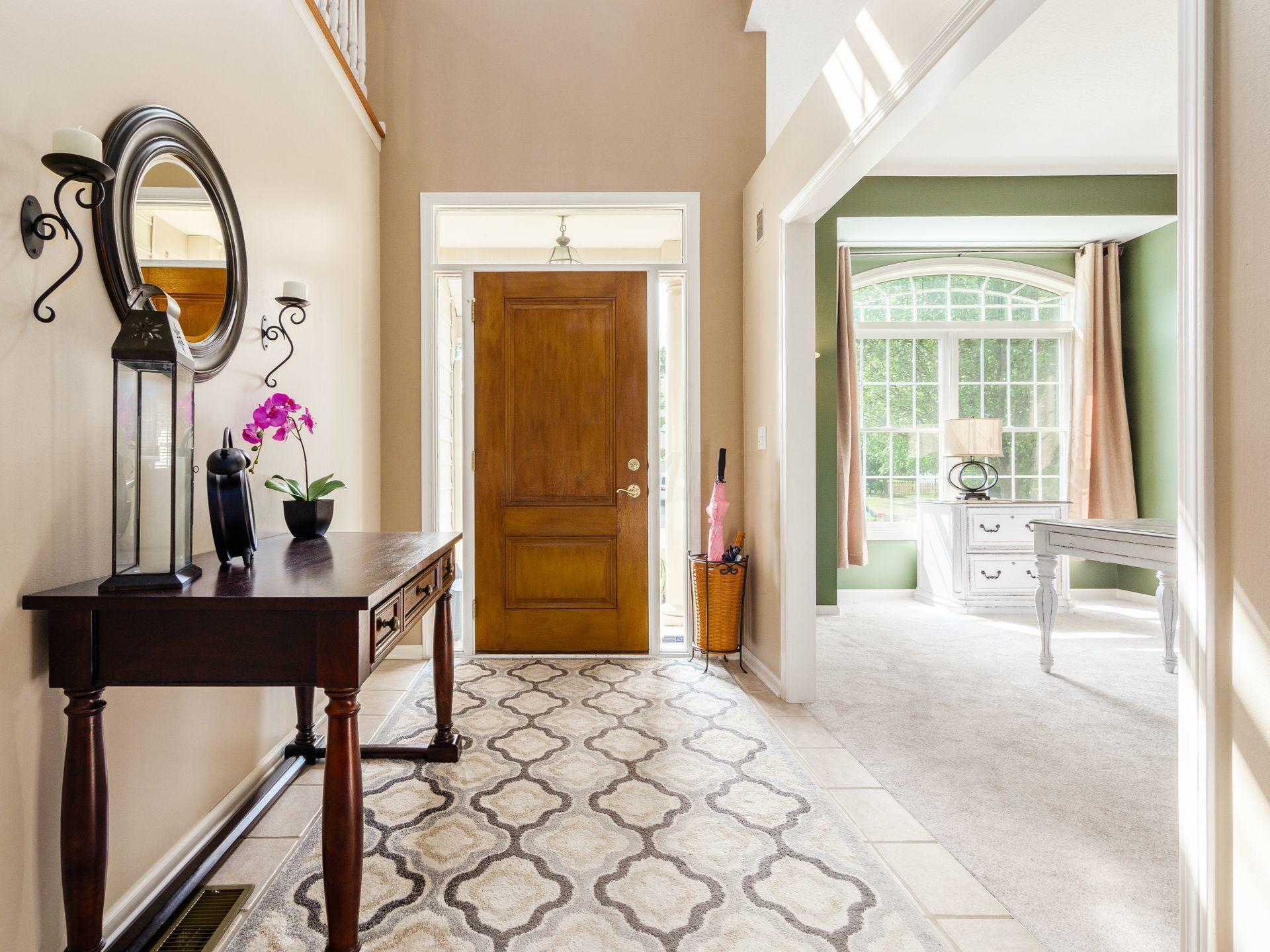 Roomy Entry