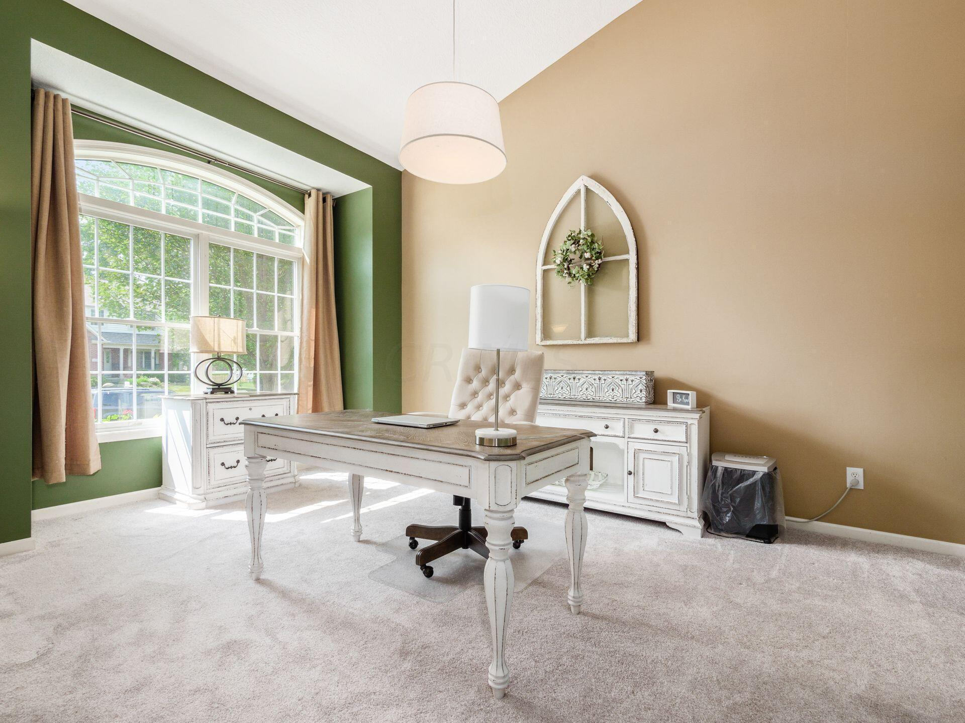 Dining Room/Flex Space