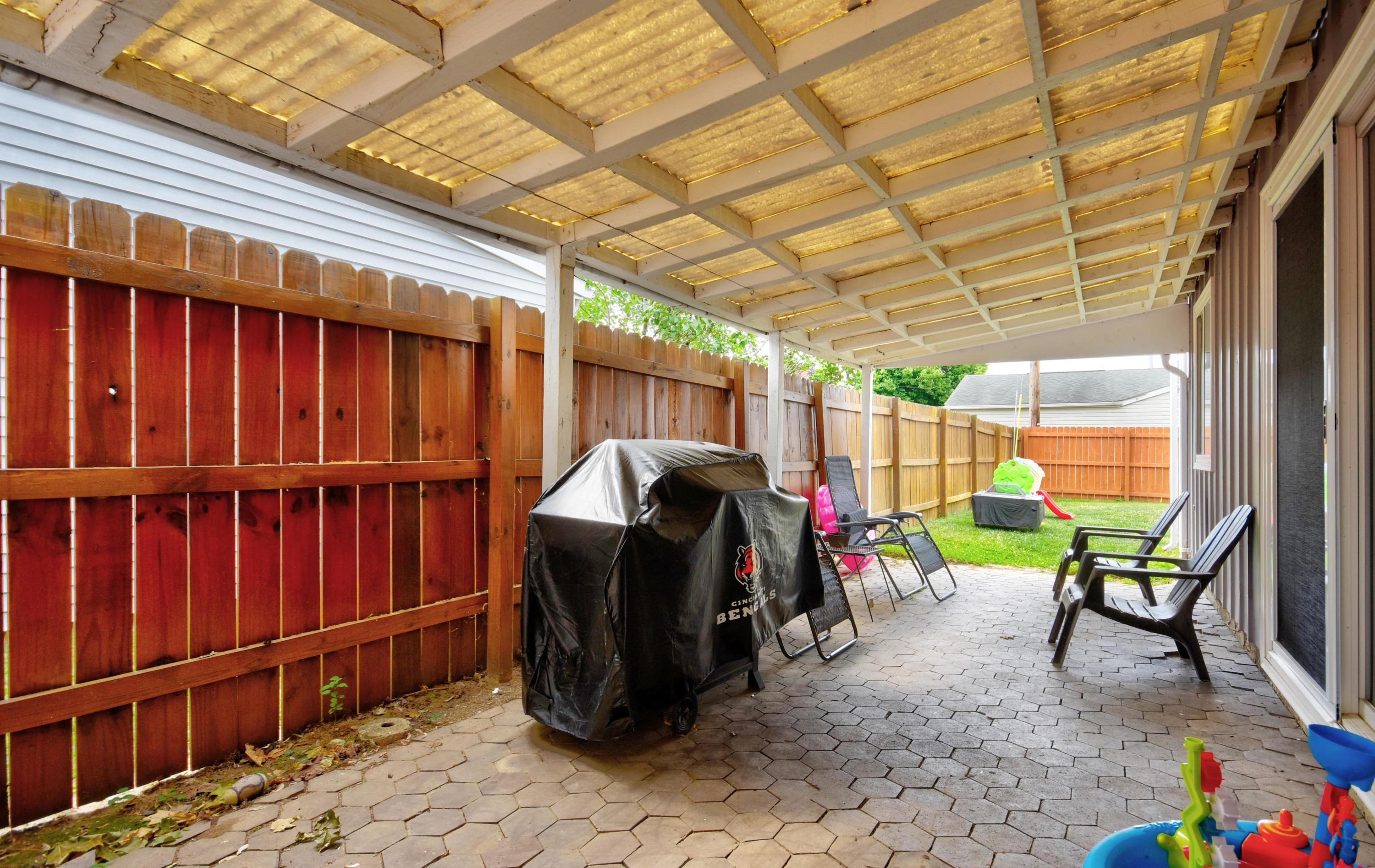 Covered Patio (2)