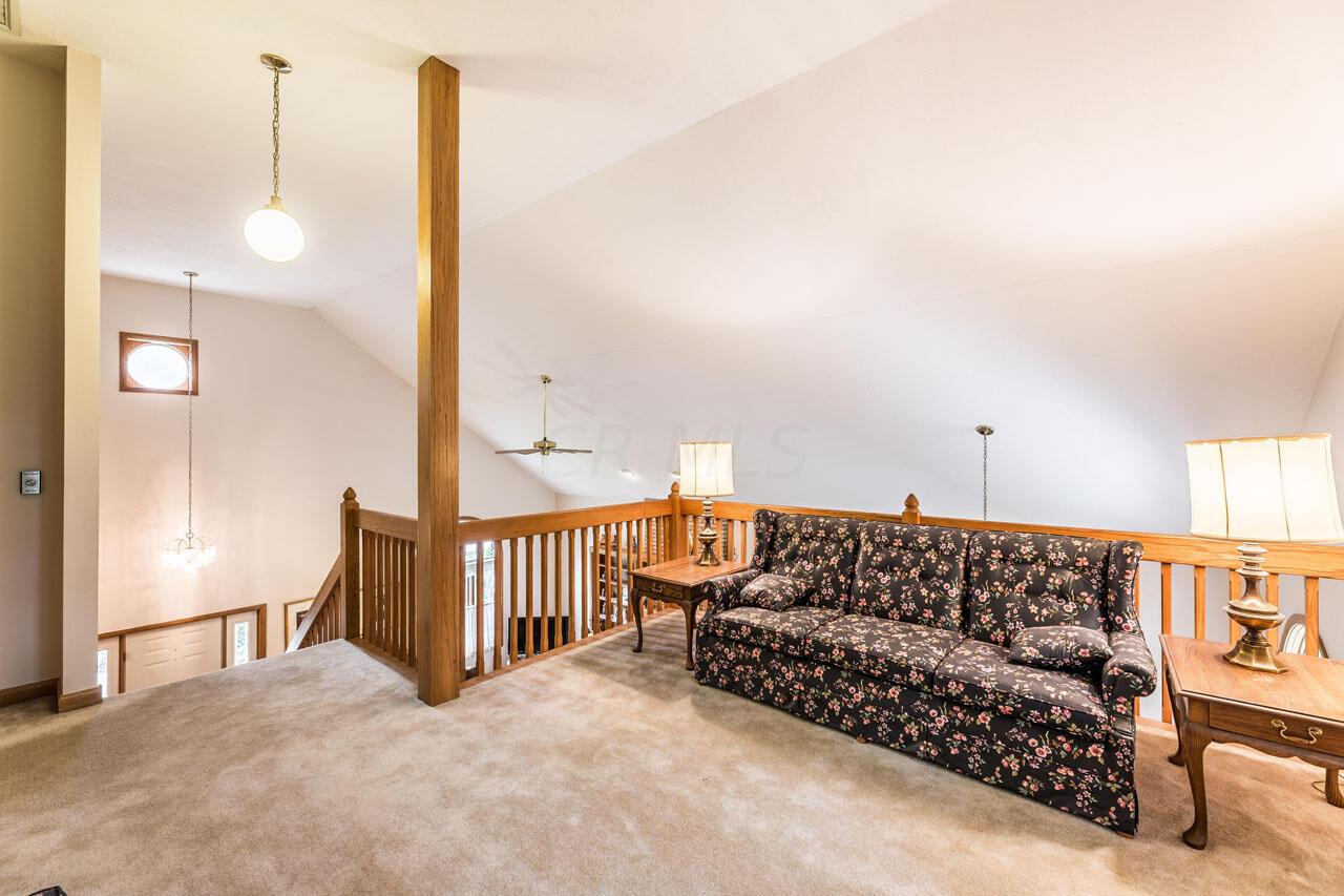 Loft, open to great rm
