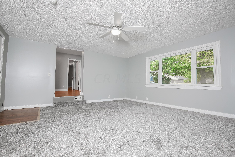 Living Room- 2-2