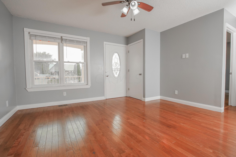 Living Room- 3