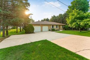 Undefined image of 1895 Shoshone Drive, London, OH 43140