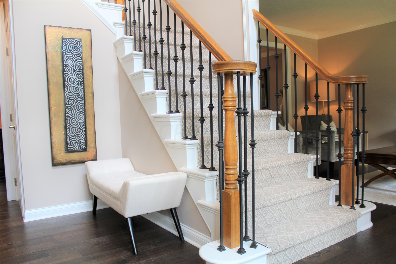 Foyer / Gorgeous Staircase