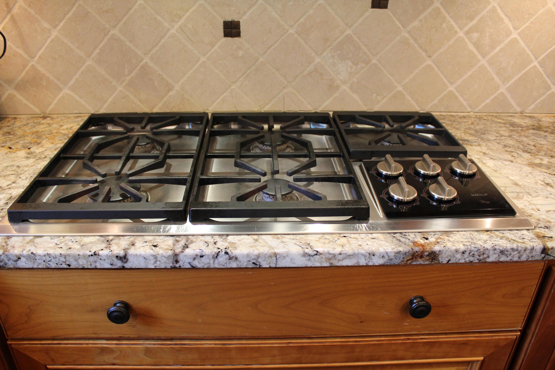 5 burner Wolf gas cook top