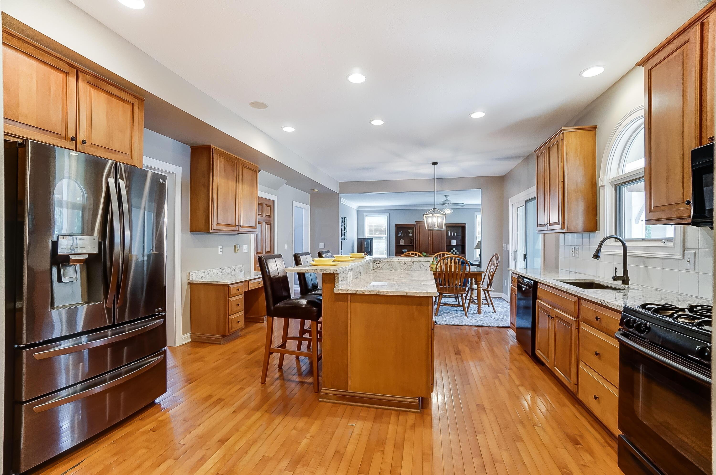 Open Kitchen to Dinette & Great Room