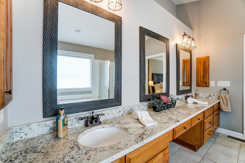 Deluxe Master Bath New Granite