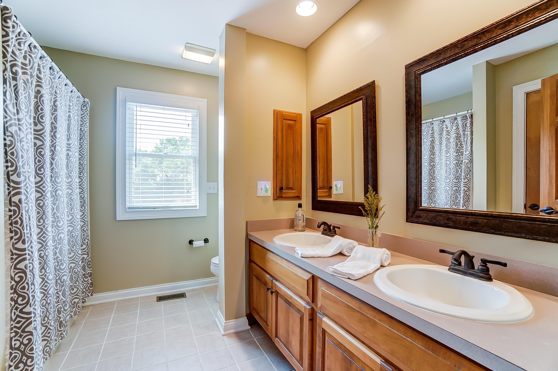 Full Hall Bath