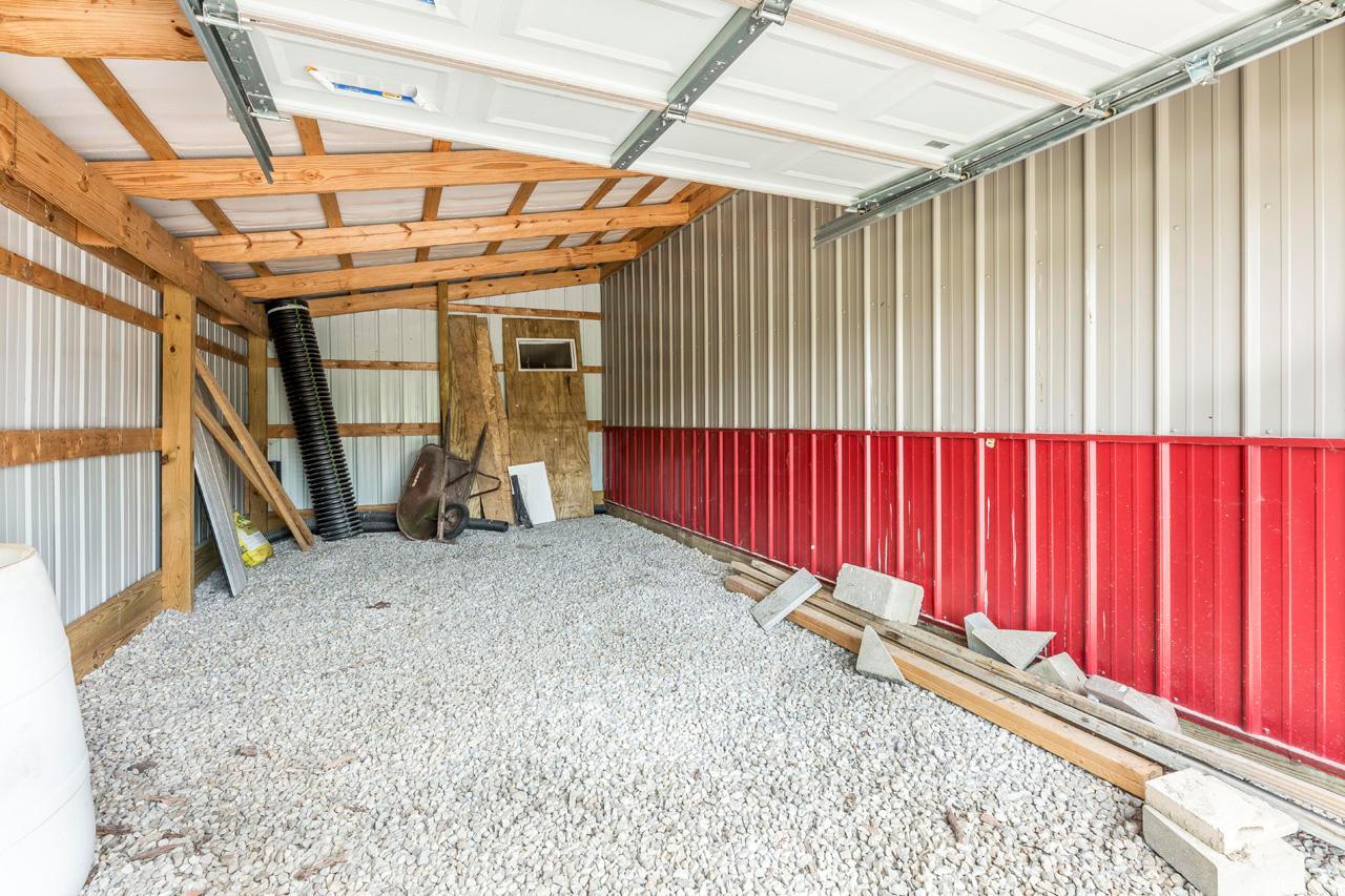 Single tractor garage-  Pole barn