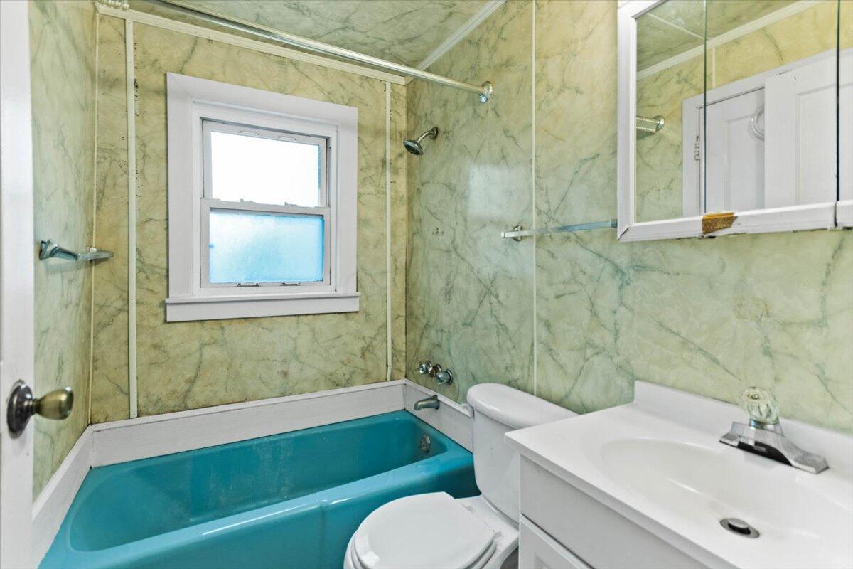 18-Bath 1