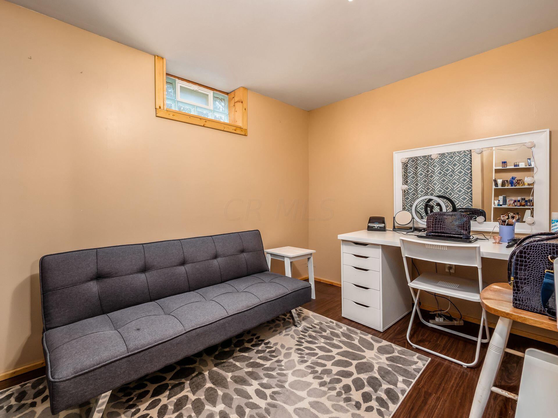 Bonus room/4th bedroom/home office