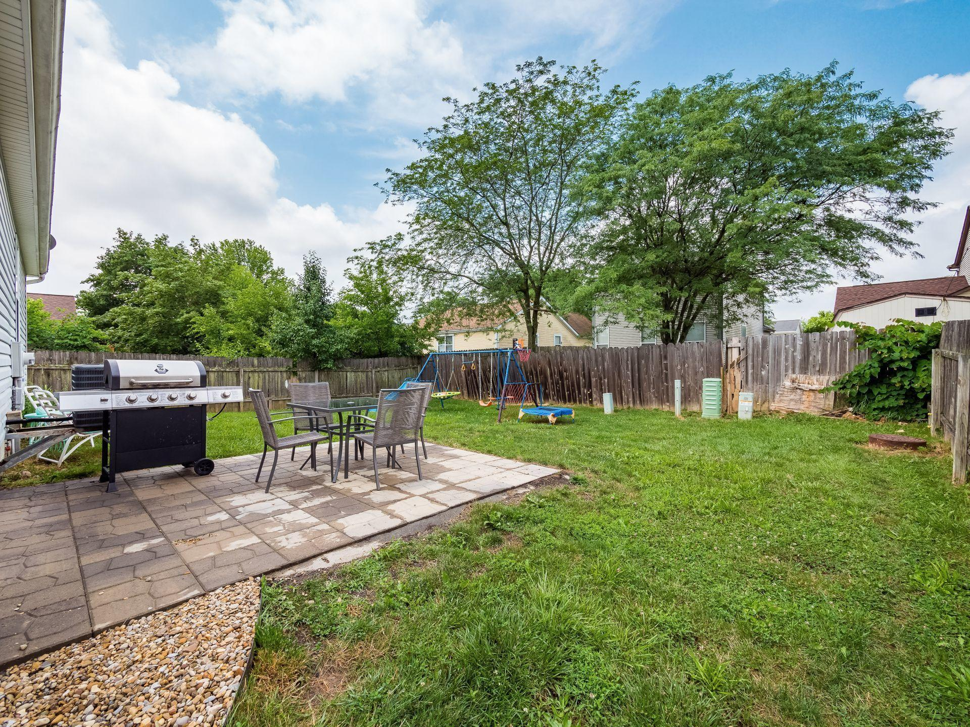 Patio and fenced!