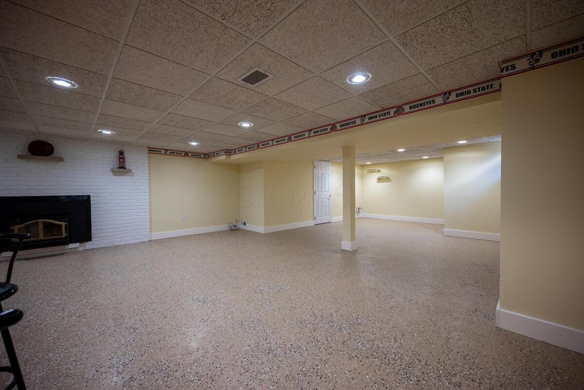 1300 Deerlick basement 2