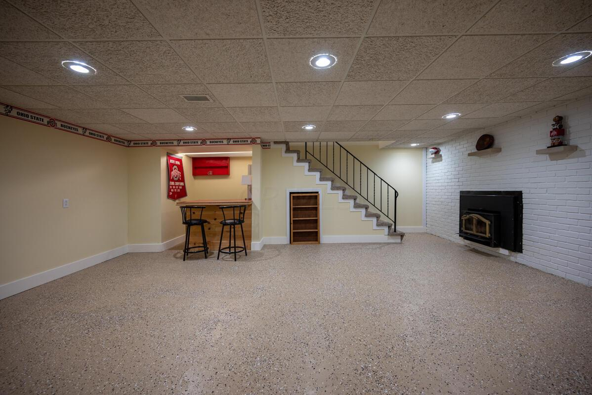 1300 Deerlick basement 3