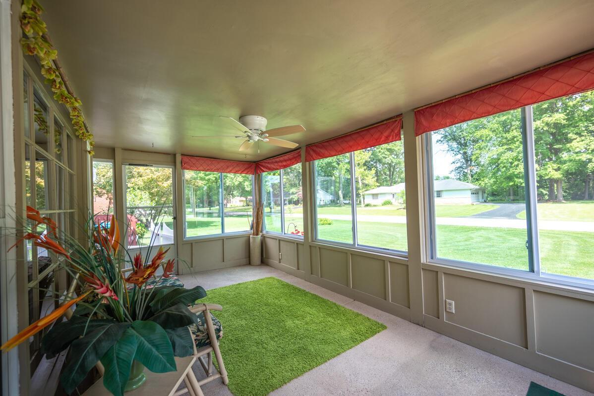 1300 Deerlick enclosed porch 1