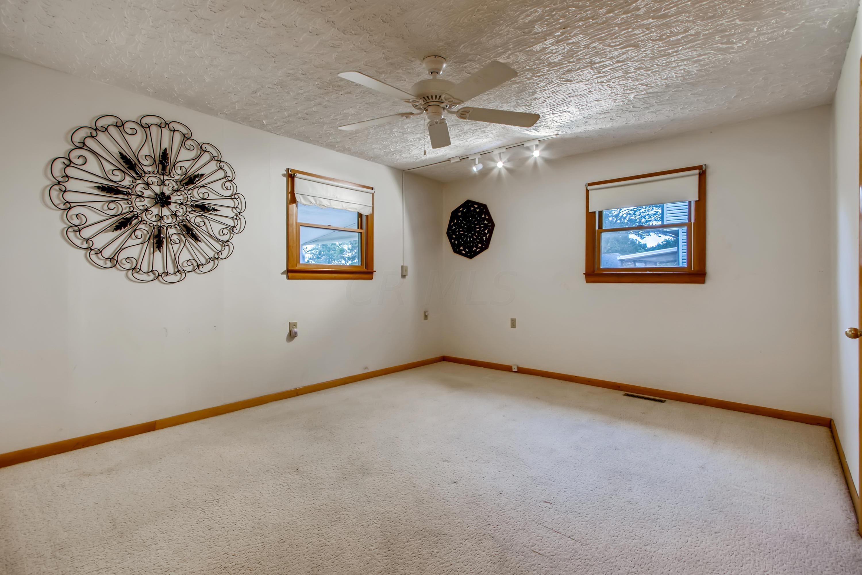 13 Primary Bedroom