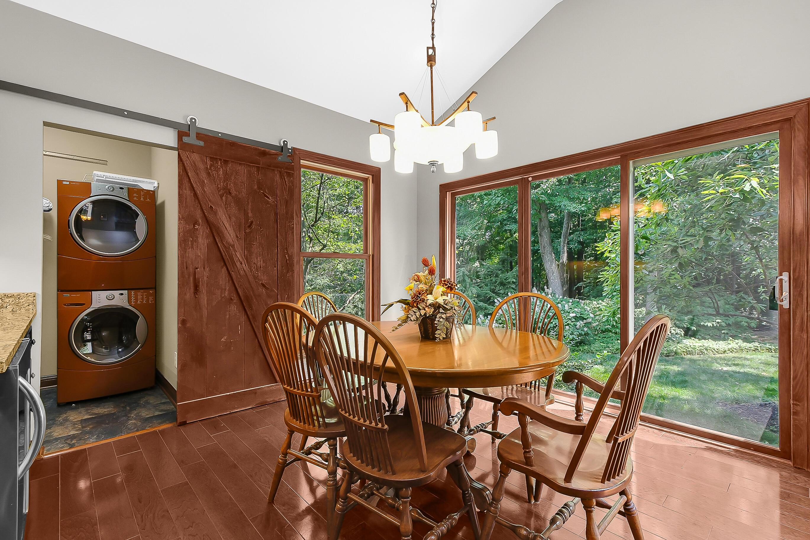 BREAKFAST Room features AWESOME VIEWS