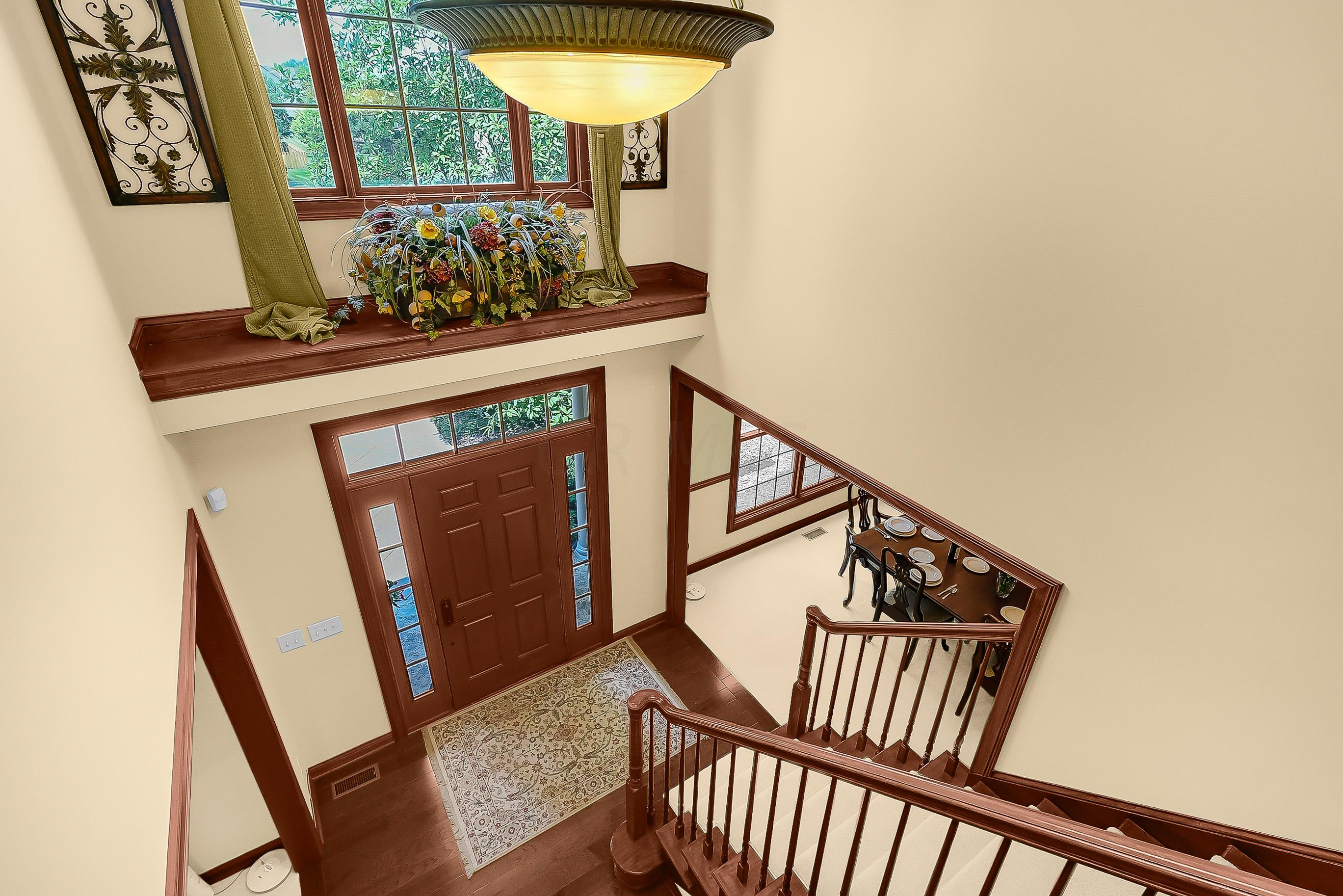 Dramatic GRAND TURN Staircase is CLASS