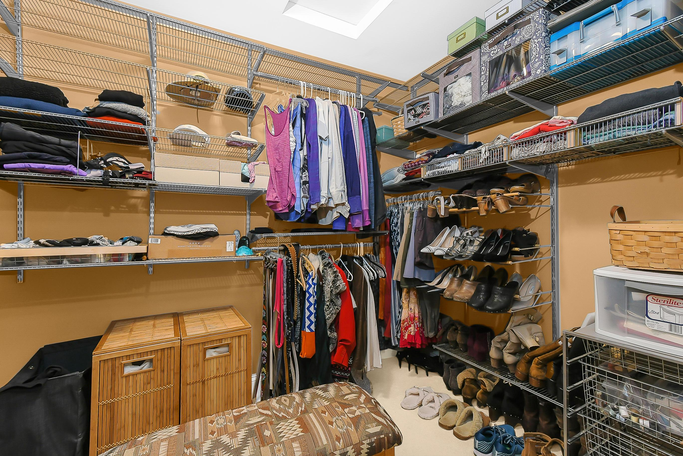 ALL CLOSETS Feature ELFA Adjustable Sys