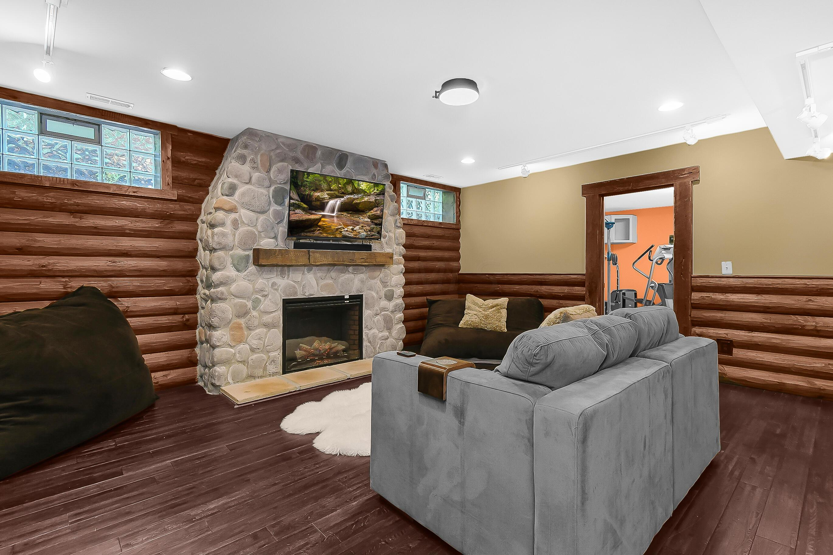 RUSTIC Cabin Style Recreation Center