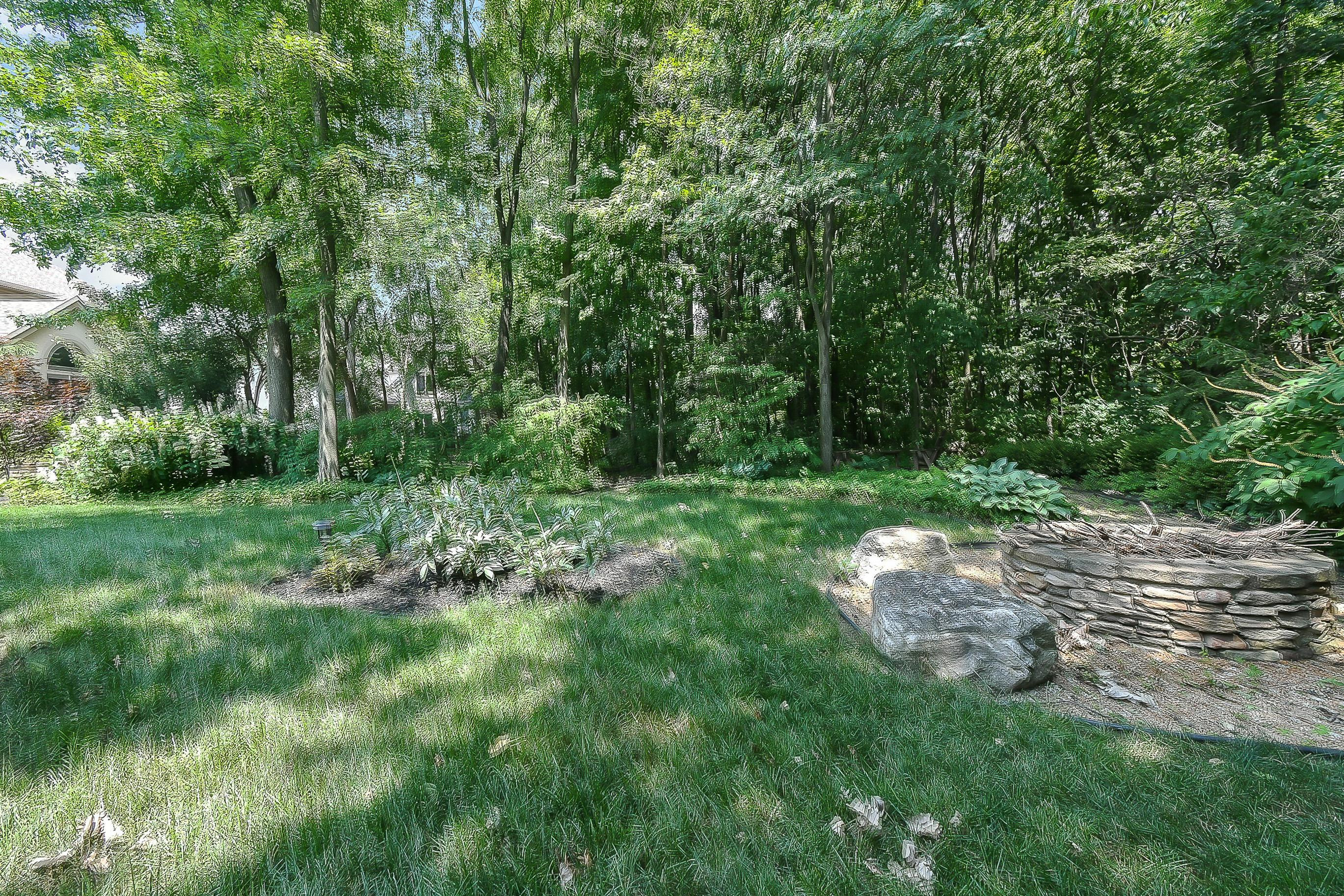 BEAUTIFUL Wooded Views ~ Irrigation Sys
