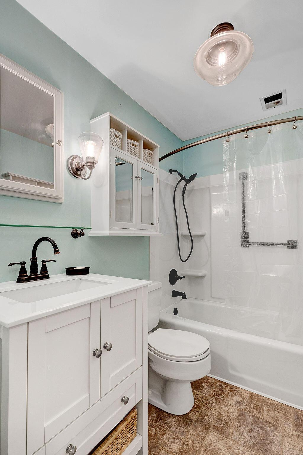 19-BathroomTwo