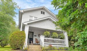 390 Garfield Avenue, Newark, OH 43055