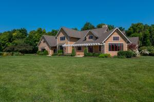 4300 Abbey Chase Ct Hilliard OH 43026
