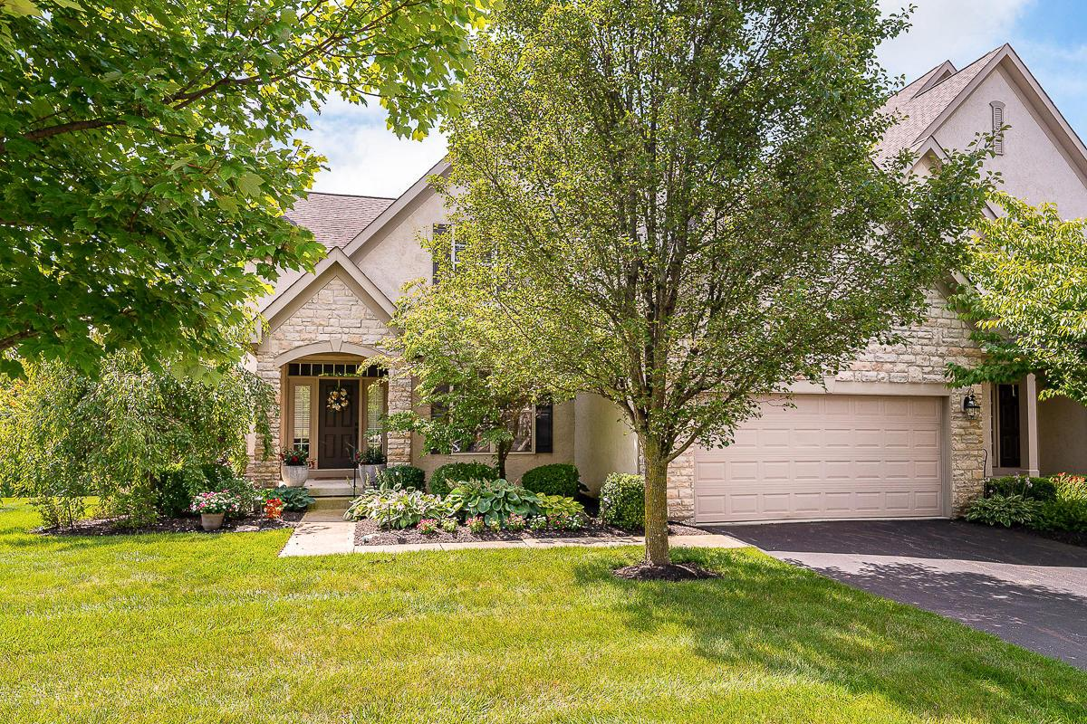 Photo of 4977 Scenic Creek Drive, Powell, OH 43065