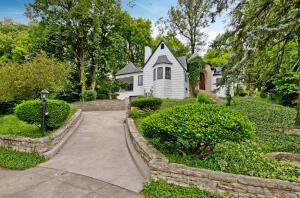 1634 Goodale Boulevard, Grandview Heights, OH 43212