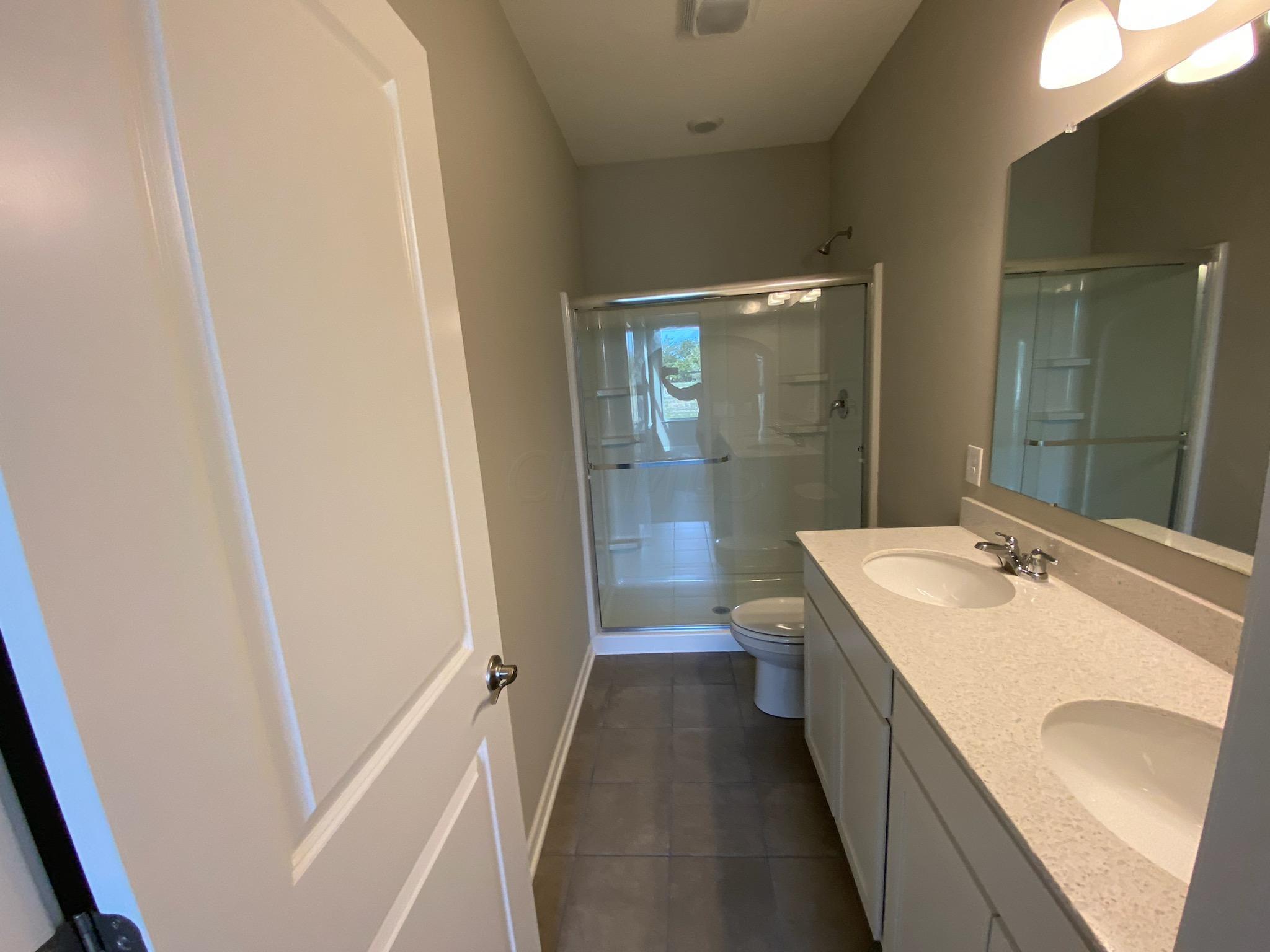 Logan- 5956 Bath1
