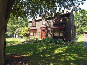 Undefined image of 162 W Cooke Road, Columbus, OH 43214