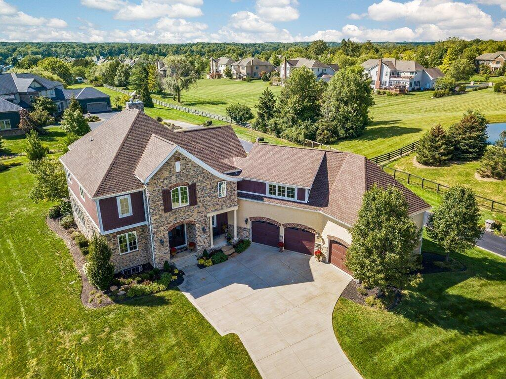Photo of 9238 Deer Path Court, Powell, OH 43065