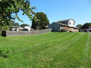 Undefined image of 631 Livingston Court, Heath, OH 43056