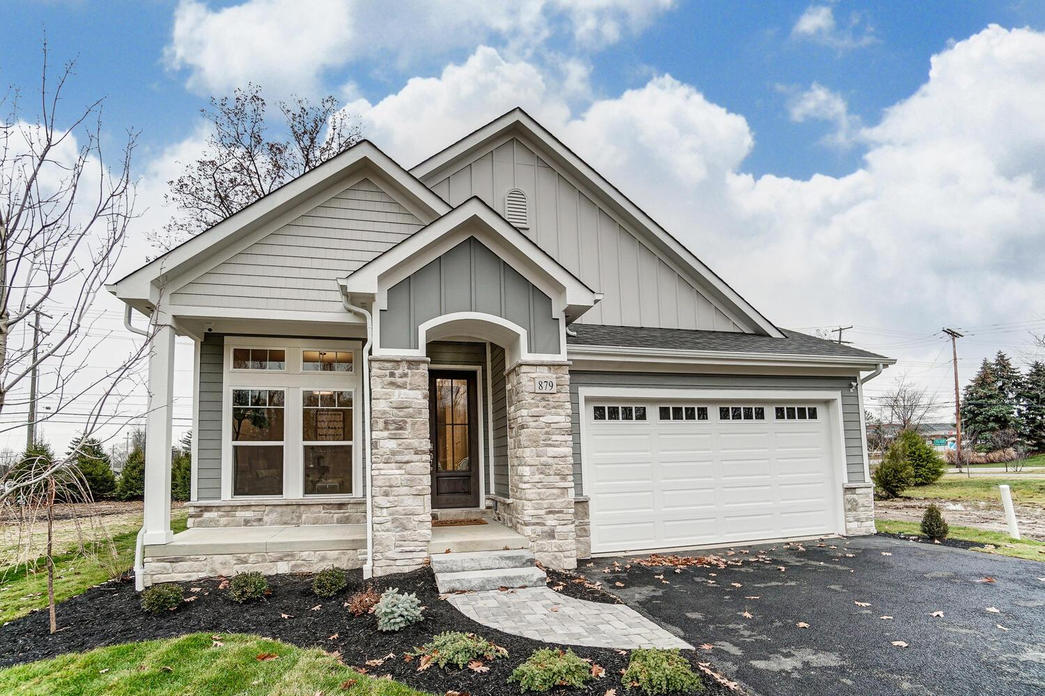 Photo of 879 Pinnacle Pointe Place, Gahanna, OH 43230