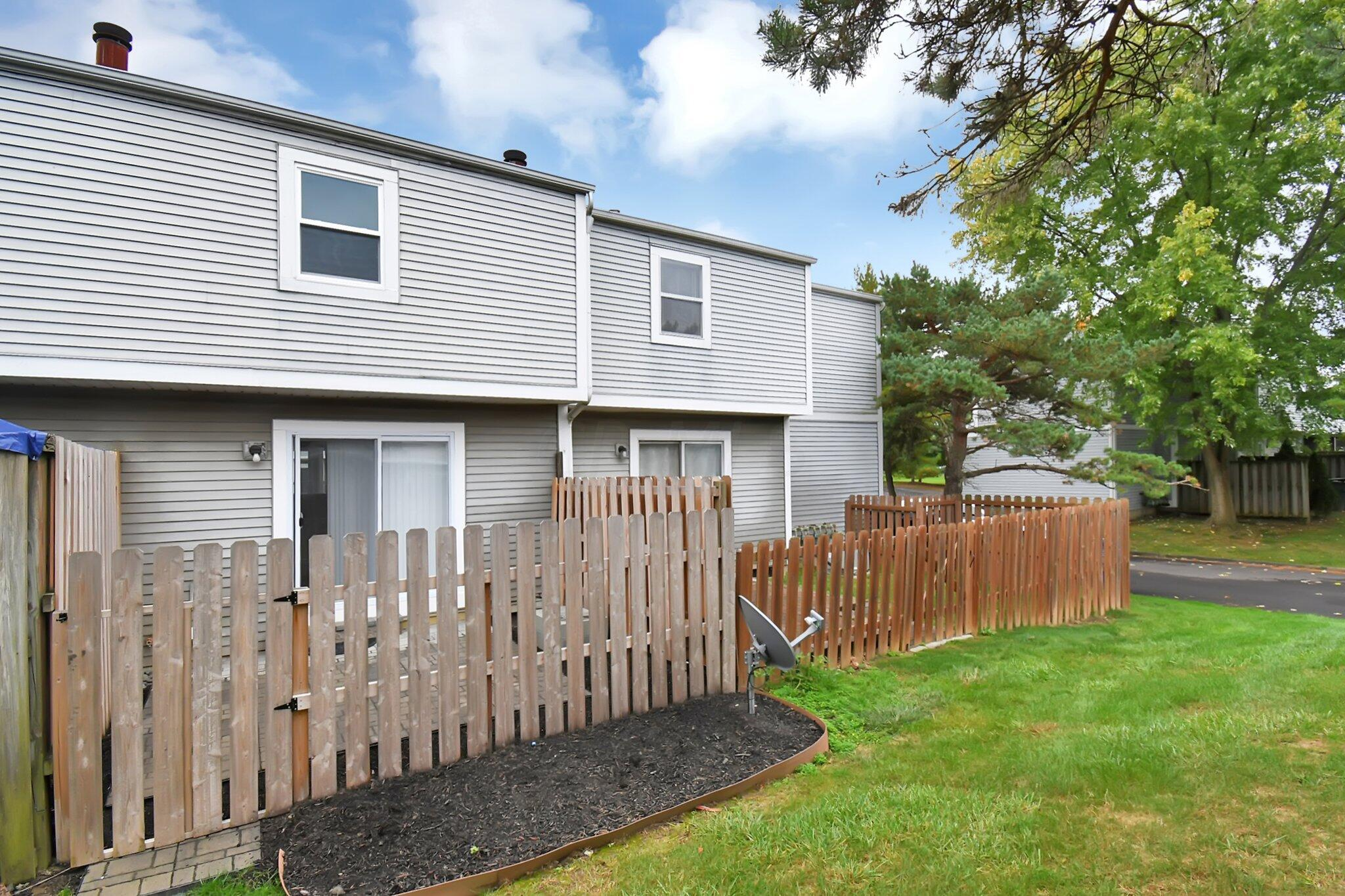 Rear View & Privacy Fence